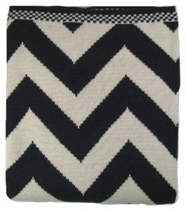 Chevron Luxury Cotton Throw Blanket Black White