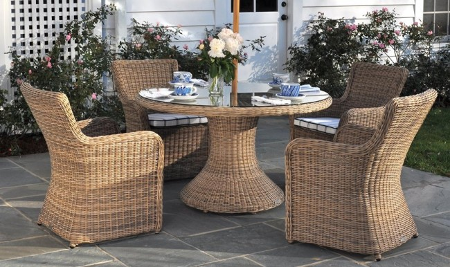 Sag Harbour Round Outdoor Dining Tables, Outdoor Round Tables